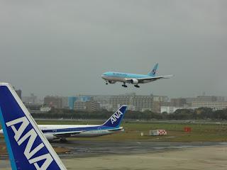 福岡空港と飛行機