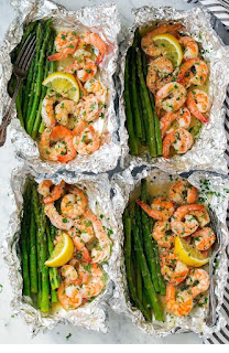 Shrimp and Asparagus Foil Packs with Garlic Lemon Butter Sauce
