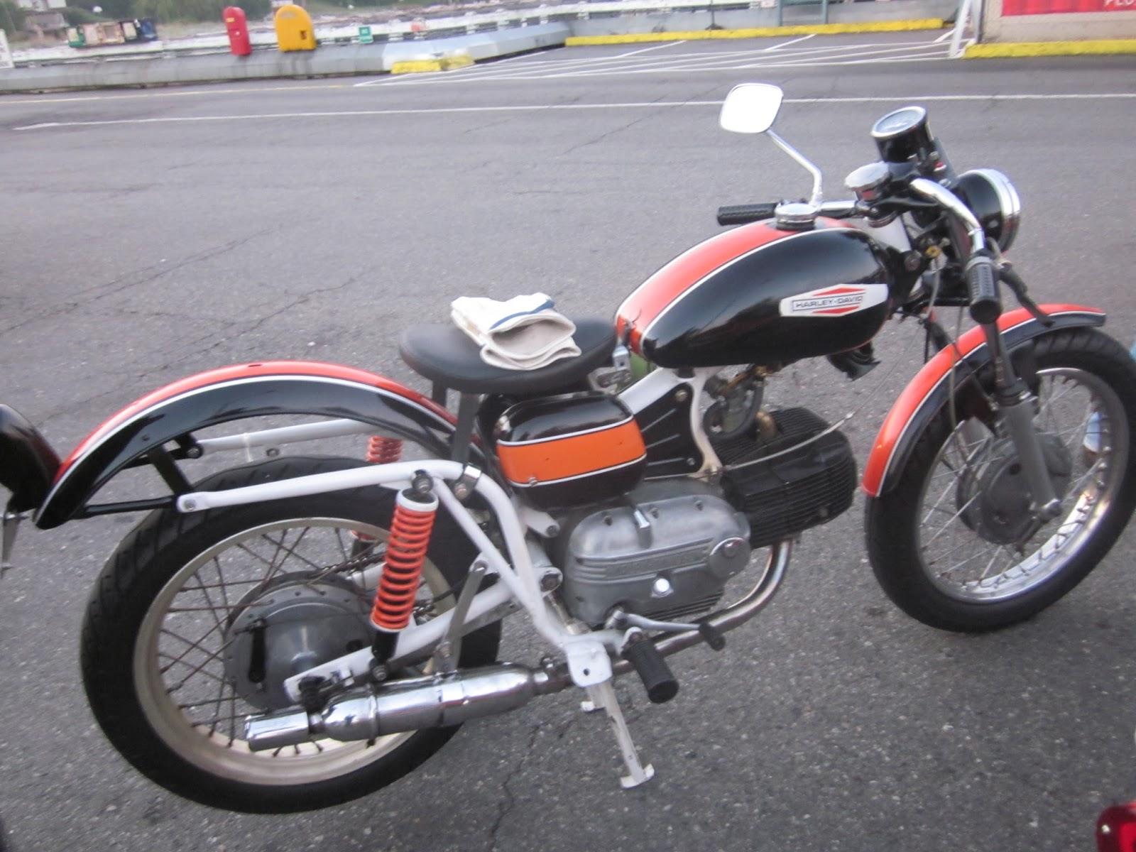 OldMotoDude: 1967 Aermacchi Harley Davidson SS 250 Sprint in line