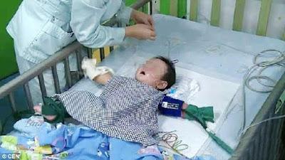 Dengki mahu anak lelaki, bayi 7 bulan diracun ibu saudaranya !!