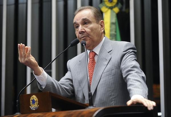 Barroso envia ação penal de Agripino Maia para Justiça Federal do RN