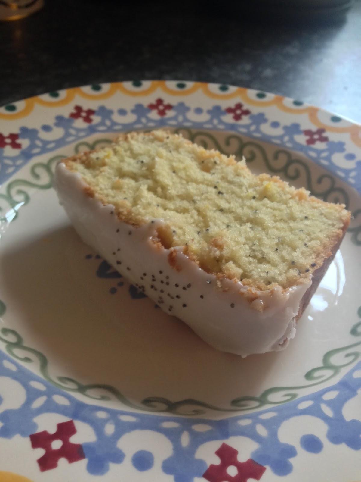 Lovely Lemon Drizzle Cake