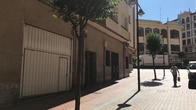 Persiana de los locales municipales de la calle Karanzairu