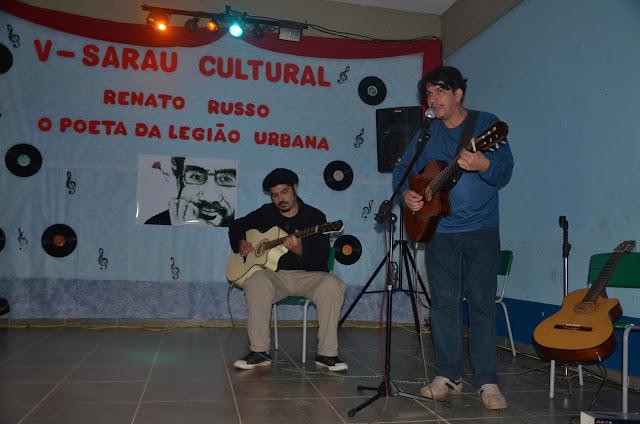 """Escola """"Dona Irene Machado de Lima"""" promove  V Sarau e faz homenagem a Renato Russo"""