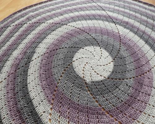 Spin Me Around - Free Pattern