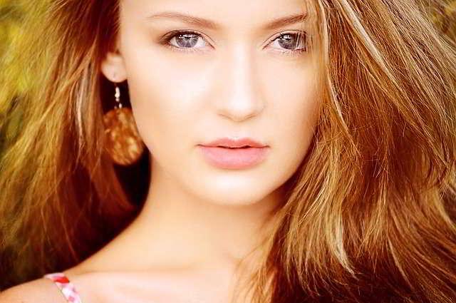 10 Cara Mengatasi Bibir Yang Menghitam Secara Alami