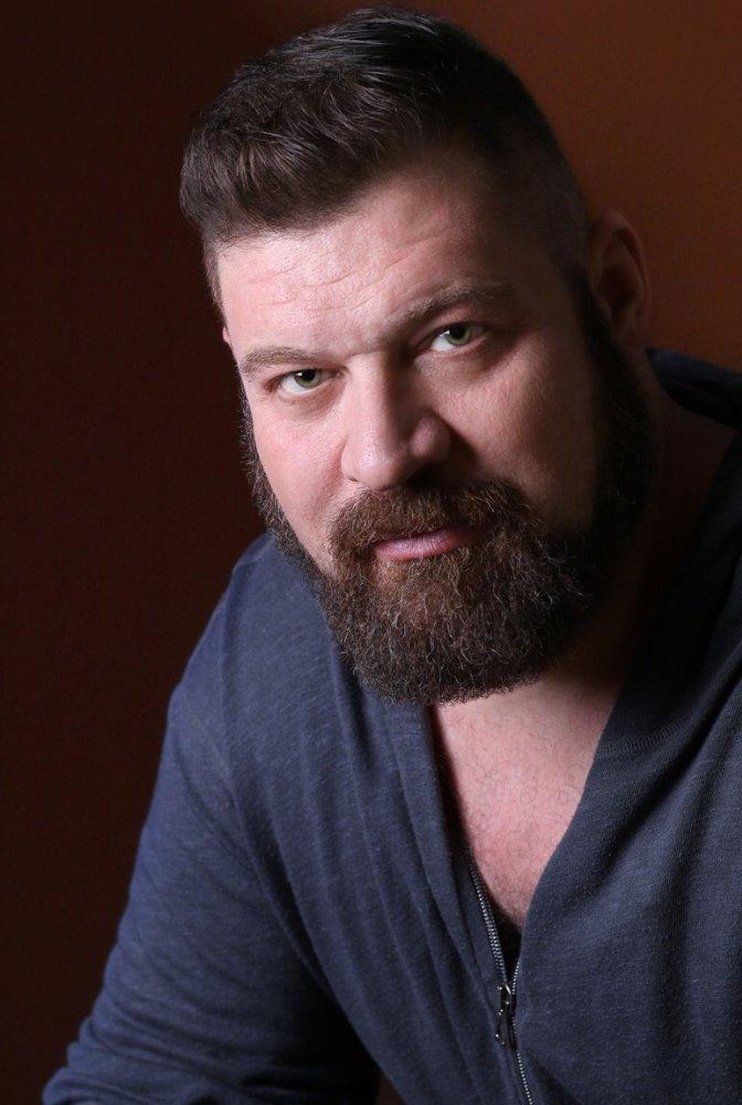 Brad William Henke