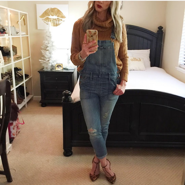 overalls style with chunky knit sweater leopard heels