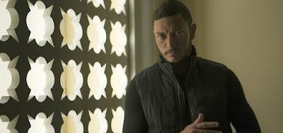 Youssef (Alan Souza Lima) chegará ao Brasil e sequestrará a mocinha em Órfãos da Terra
