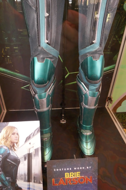 Vers Starforce costume legs Captain Marvel