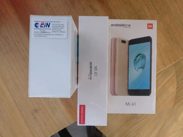 Mi A1 Box is sealed with Global Version + EIN (Era International) sticker. Both identification need to be present