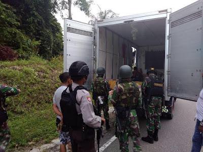Ciptakan Rasa Aman, Satgas Pamtas Yonif PR 328 Kostrad Gelar Patroli Gabungan Bersama Polri
