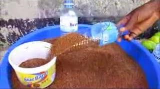 sekop sendok dari botol aqua bekas