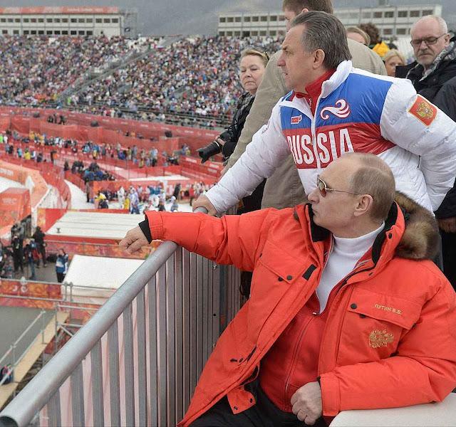 Equipe independente descobriu grande esquema de controle estatal  para trocar amostras de urina de atletas russos e burlar análises.  Foto: Putin nos Jogos Olímpicos de inverno em Sochi, Rússia.