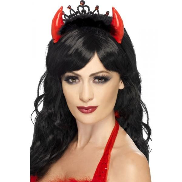 Maquillaje Sencillo De Diablesa Para Halloween - Como-maquillar-a-una-diabla