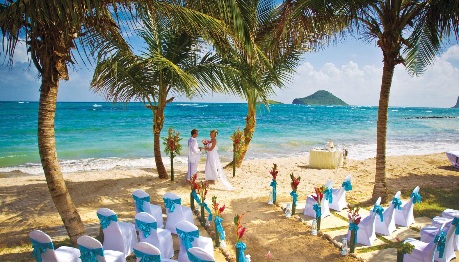 Coconut Bay Beach Resort St Lucia