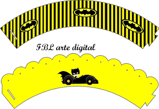 Batman in Black and Yellow, Free Printable Cupcake Wrappers.