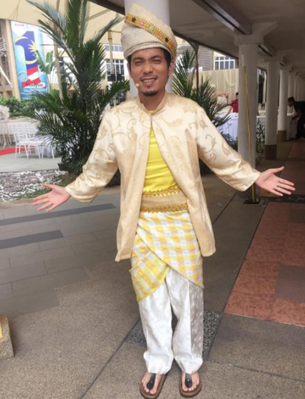 Pasti Ramai Tidak Tahu..Kisah Disebalik Penghijrahan Mark Adam Ke Malaysia Yang Menyentuh Hati!