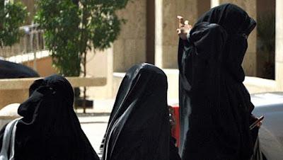 Bahkan 4 Wanita Jerman Tahu Bahwa Hijab Bukanlah Tradisi Melainkan Syariat