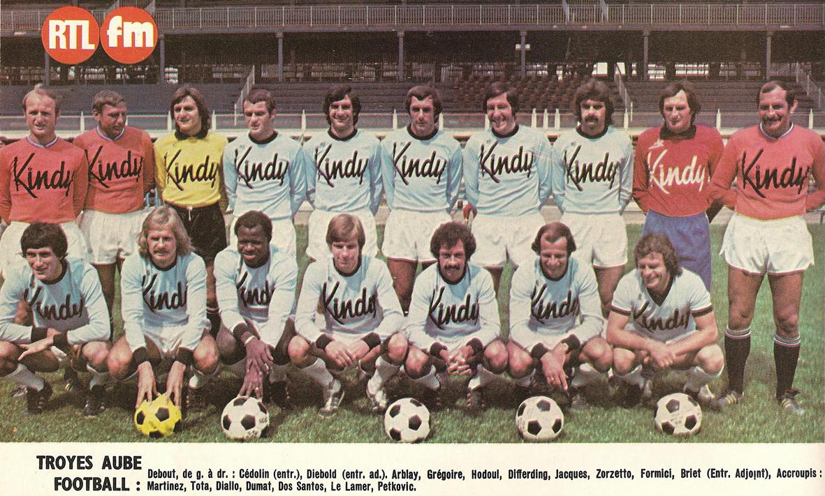 TROYES AUBE FOOTBALL 1976-77. ~ THE VINTAGE FOOTBALL CLUB