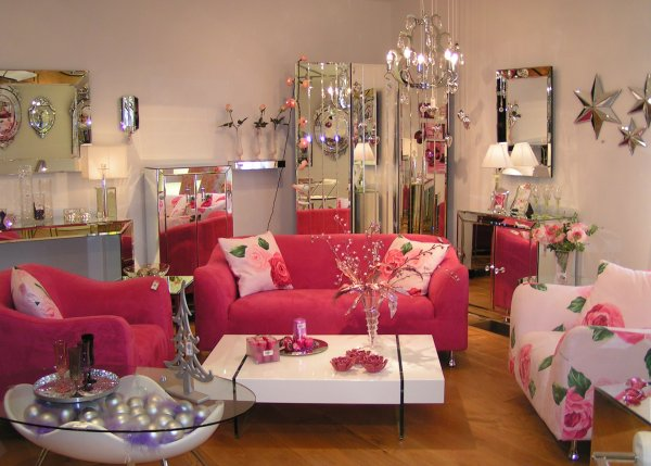 Cheerful Feminine Living Room With Colorful Accent