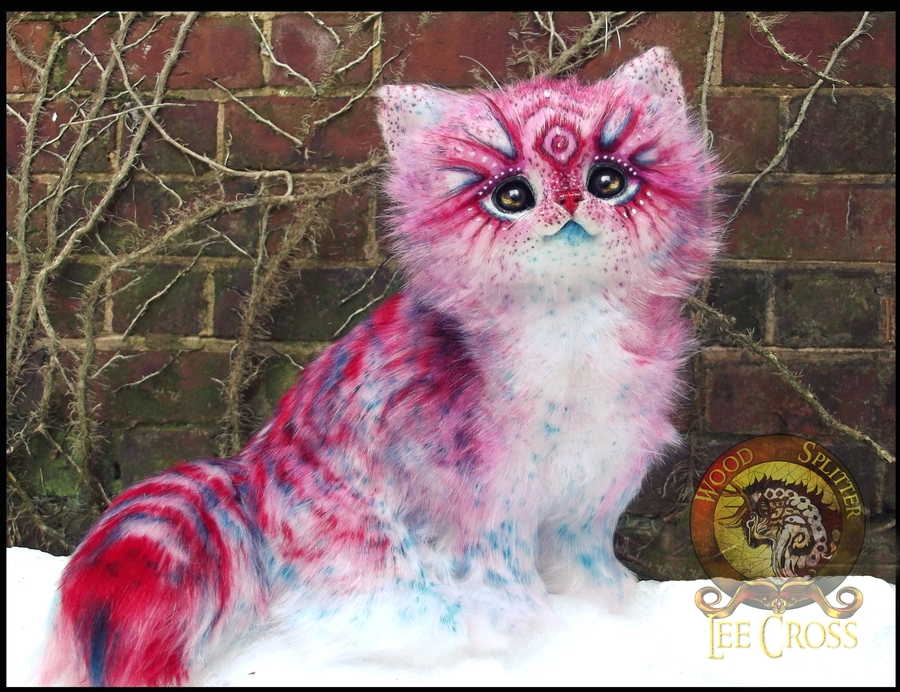 14-Pop-Tart-Kitten-Wood-Splitter-Lee-Animals-Art-that-look-Alive-www-designstack-co