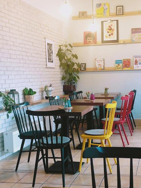 Bistro Ateliér je kaviareň na Peknej ceste.