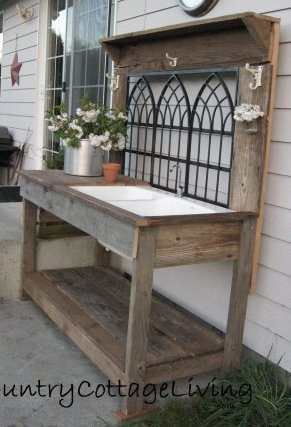 Dishfunctional designs salvaged wood pallet potting benches for My bhg greenhouse