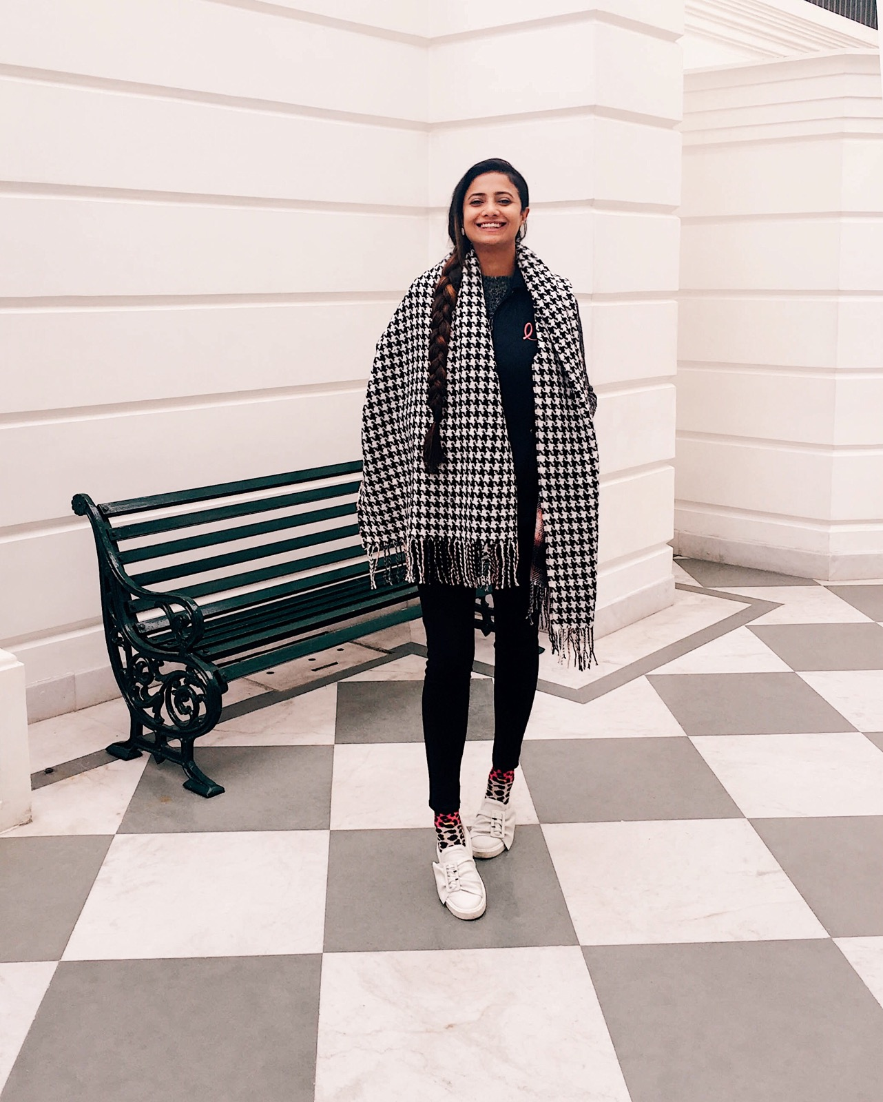 how to dress for shopping, what to wear to shopping, casual winter outfit, style blanket scarf, top indian blog, indian fashion blogger, uk blog, winter outfits, weekend winter outfit, casual chic, effortless style, 2017 blogger outfit