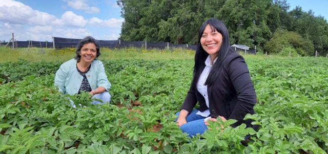 Ingrid Martínez y Rosa Pertierra.