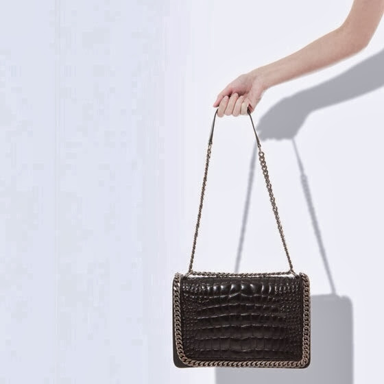 fe1ffbea6312 The biggest difference however between these two bags is in the price!!!  While you will pay thousands for the alligator Boy Chanel, the Zara is a  snip at a ...