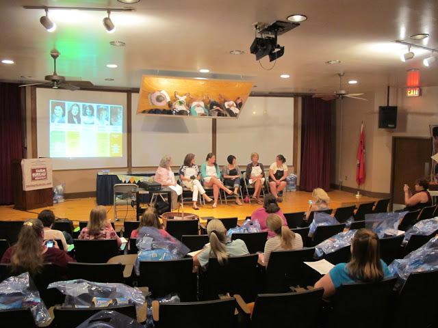 #MegaphoneSummit Arkansas Women Bloggers (c)nwafoodie