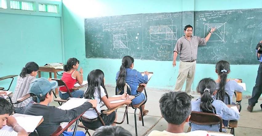 MINEDU: Hasta enero habrá clases escolares en colegios afectados por El Niño Costero, informó el Ministro de Educación, Idel Vexler - www.minedu.gob.pe