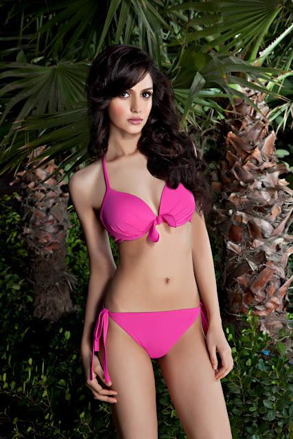 Koyal-Rana-hot-pink-bikini-hd-Pic