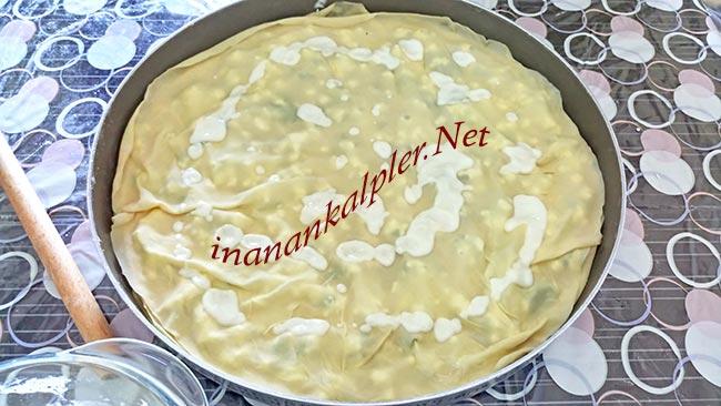 El Açması Peynirli Tepsi Böreğinin Yapılışı - inanankalpler.net