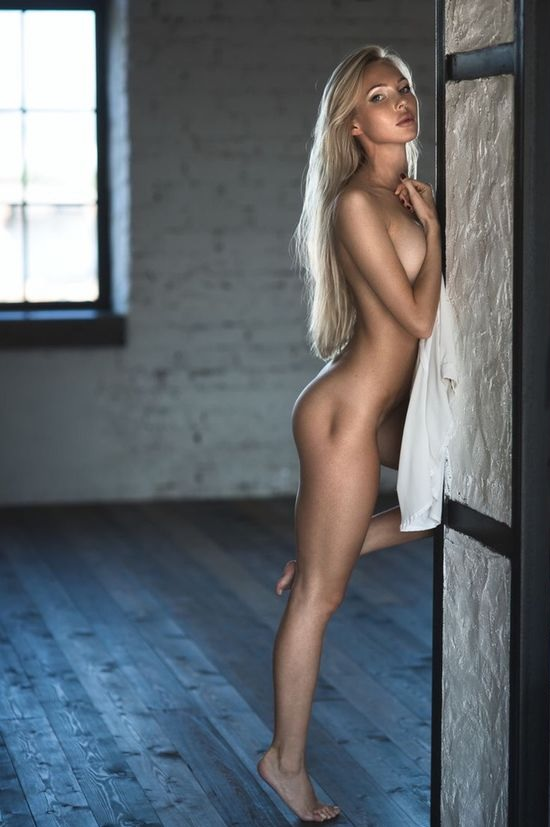 Naked Girls With Nice Legs