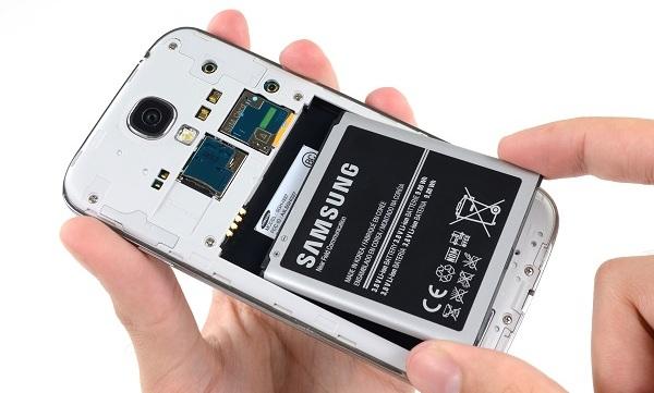SmartPhone Me Non Removable Battery Kyo Lagai Jati Hai- वजह जान कर होंगे हैरान