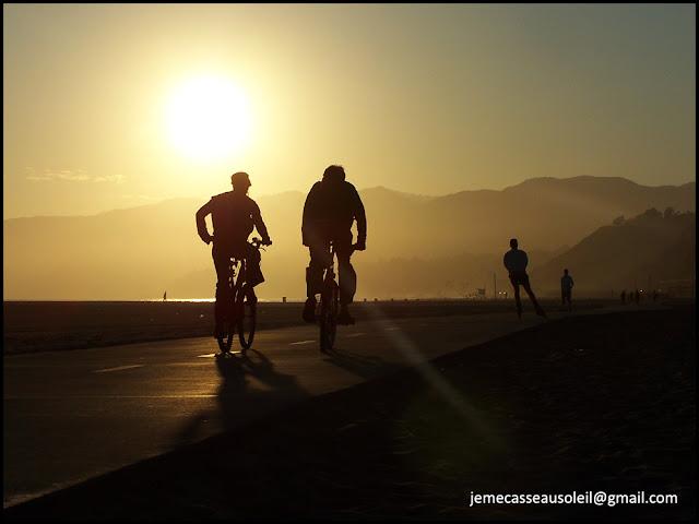Sport au coucher du soleil à Santa Monica