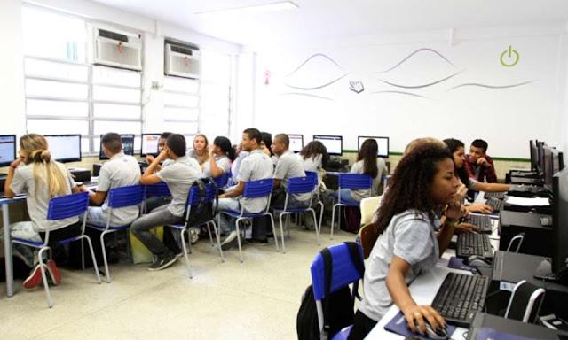 Estude Matemática de graça: 10 sites e canais de vídeos
