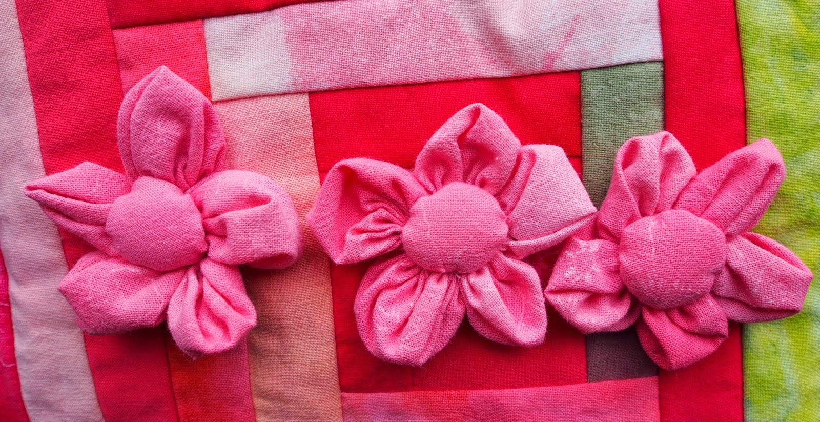 Kukkia ompelemalla