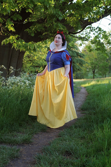 Fancy Dresscapades: An open letter to the men who insulted me at Comic Con... Is Snow White supposed to be hot?