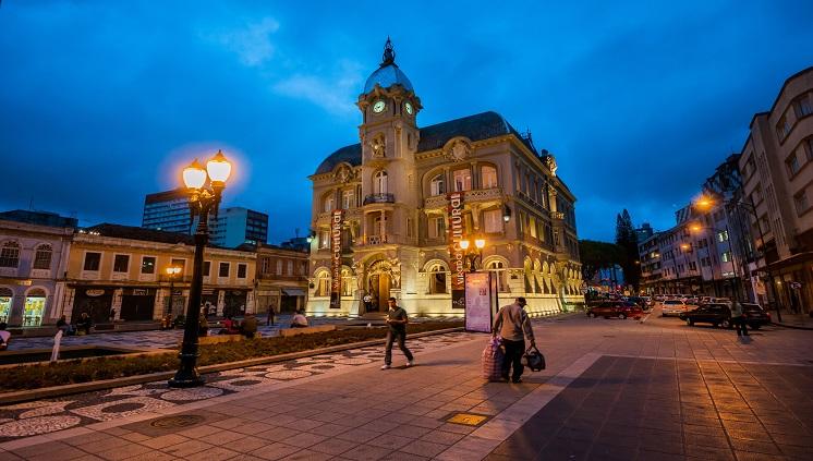 Os encantos da bela Curitiba