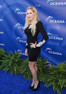 Hot Renee Olstead At Oceanas Seachange Summer Party At Laguna Beach