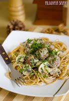 spaghetti z klopsikami w kremowym sosie