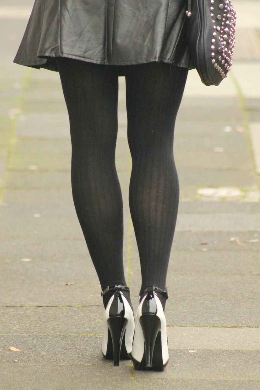 Schwarz weisse Lack Pumps von High Heels Perfect — Rimanere