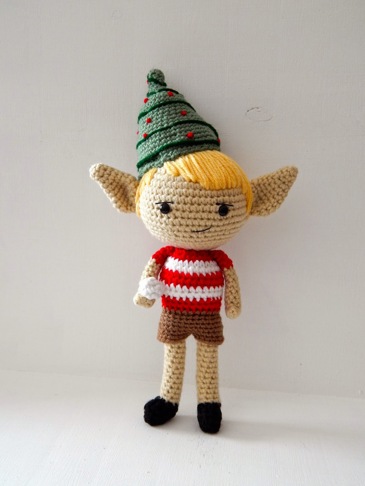 Crochet Elf Pattern - thefriendlyredfox.com | 1600x1200