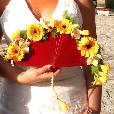 Ramo de novia en abanico con flores naturales