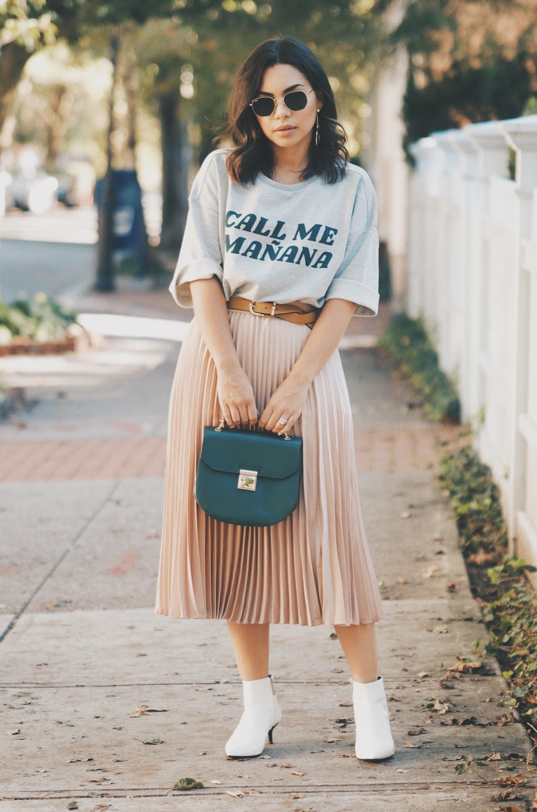 How to Wear the Pleated Skirt