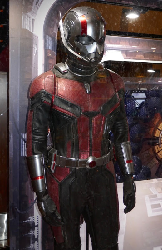 Ant-Man 2018 hero suit