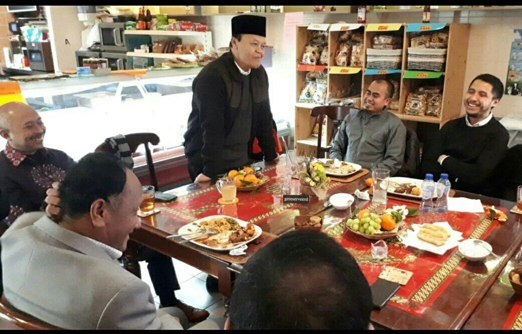 """Pertanyaan Maut HNW Untuk Jokowi yang Janjikan Lagi """"Kartu Sakti"""""""